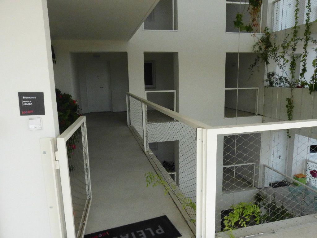 Appartement à louer 2 47.1m2 à Nice vignette-7