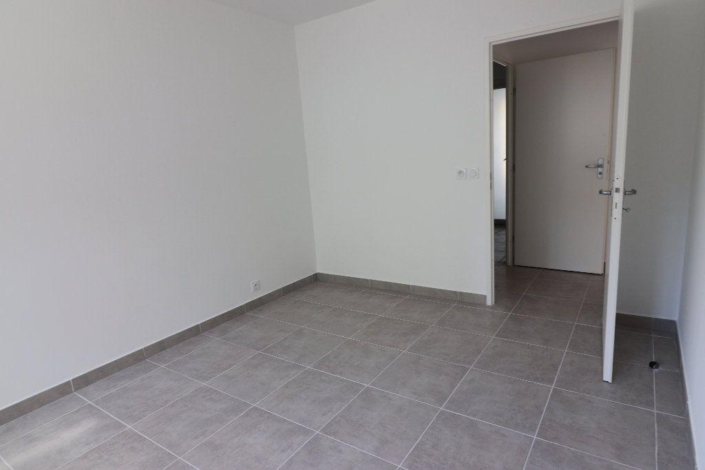Appartement à louer 2 47.1m2 à Nice vignette-10
