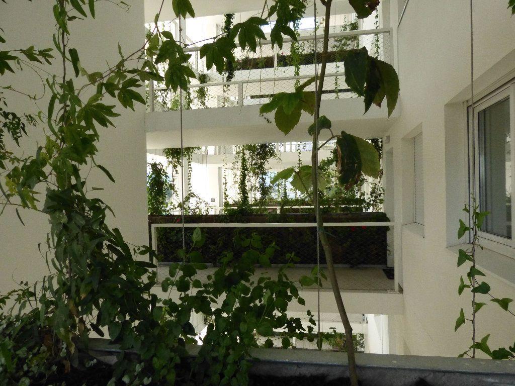 Appartement à louer 2 47.1m2 à Nice vignette-14