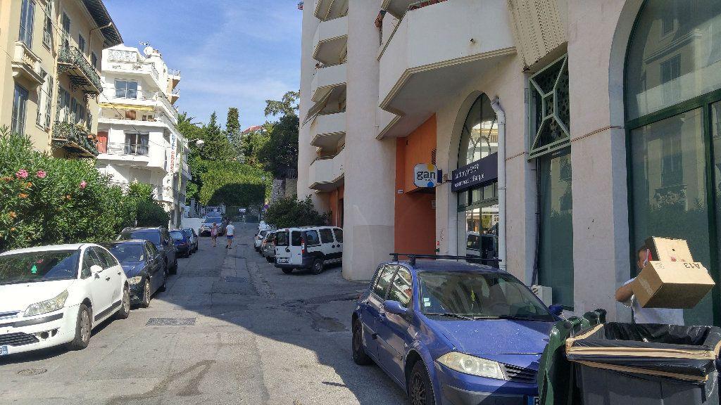 Stationnement à louer 0 14m2 à Nice vignette-1