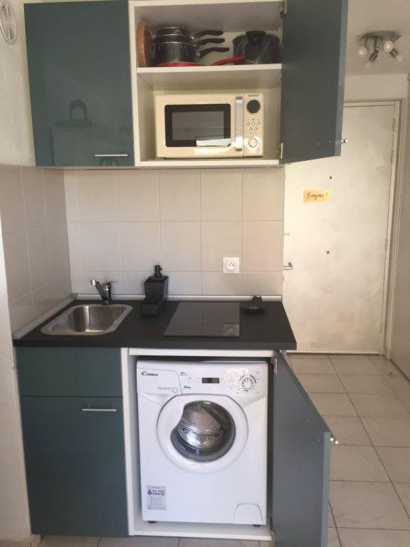 Appartement à louer 1 16.43m2 à Nice vignette-2