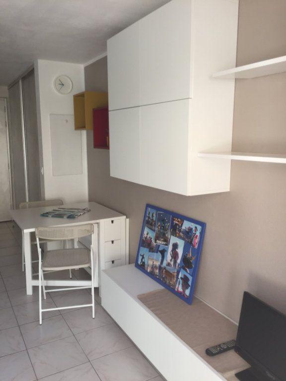 Appartement à louer 1 16.43m2 à Nice vignette-10