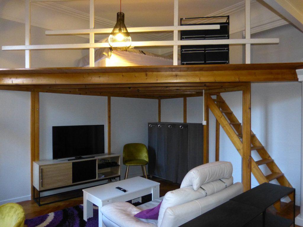 Appartement à louer 1 34.18m2 à Nice vignette-1
