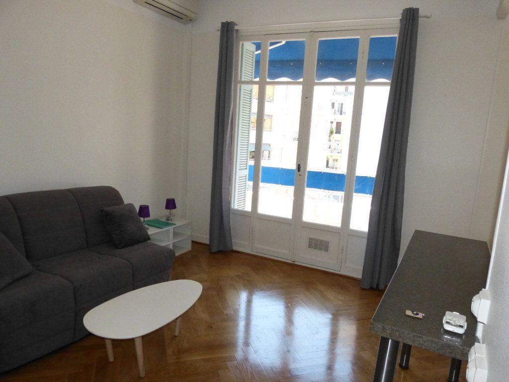 Appartement à louer 1 28.07m2 à Nice vignette-5