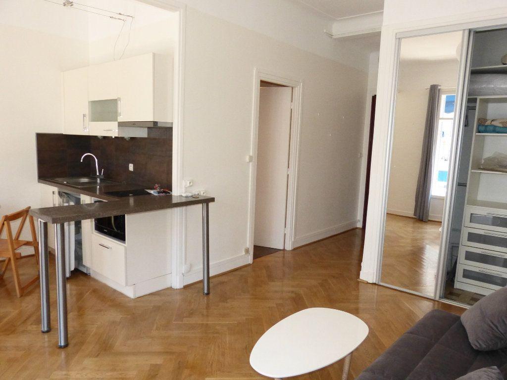Appartement à louer 1 28.07m2 à Nice vignette-6