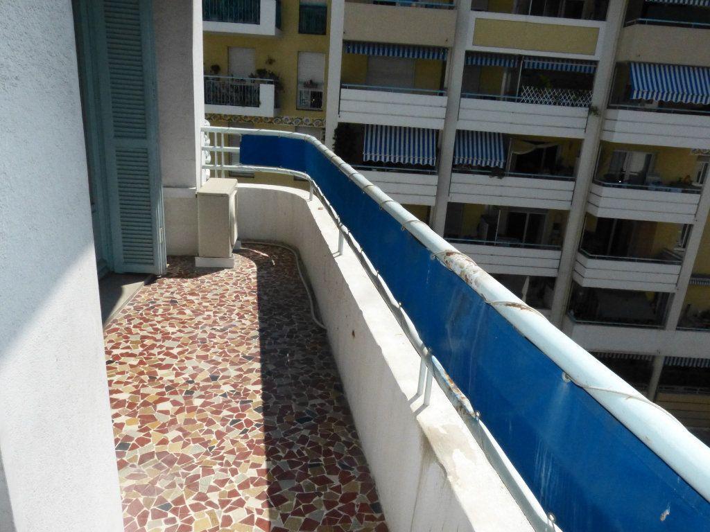 Appartement à louer 1 28.07m2 à Nice vignette-7