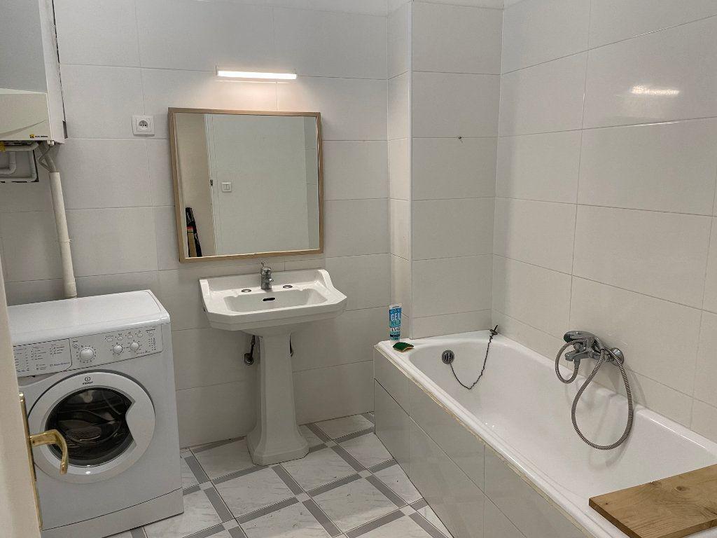 Appartement à louer 2 54.55m2 à Nice vignette-3