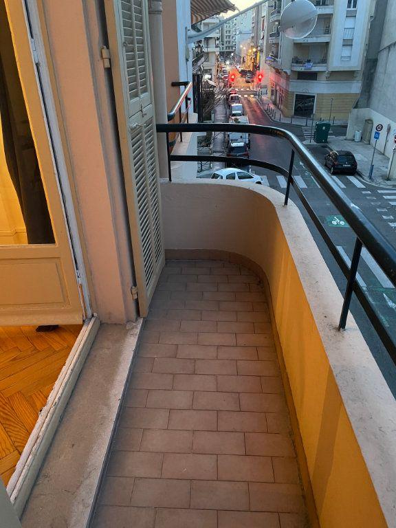 Appartement à louer 2 54.55m2 à Nice vignette-10
