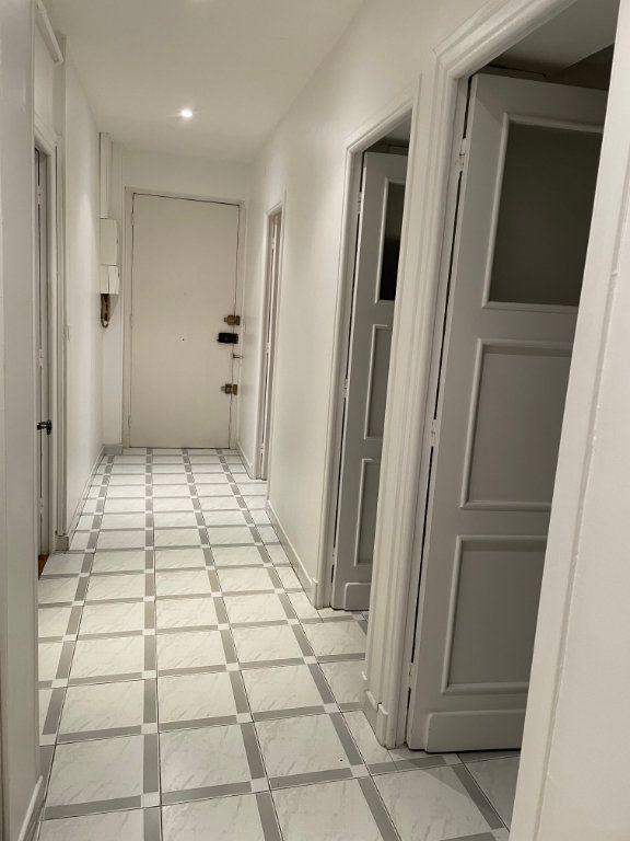 Appartement à louer 2 54.55m2 à Nice vignette-11