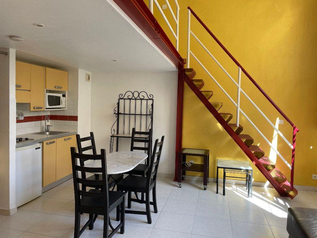 Appartement à louer 1 24.9m2 à Nice vignette-2