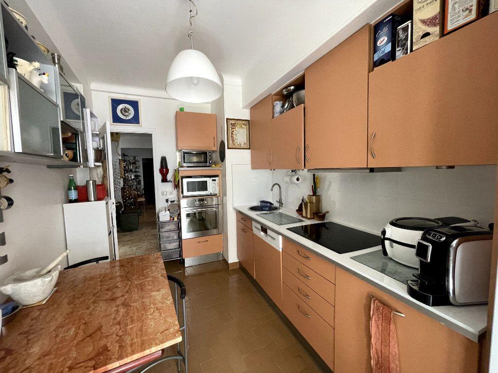 Appartement à vendre 4 134m2 à Nice vignette-6