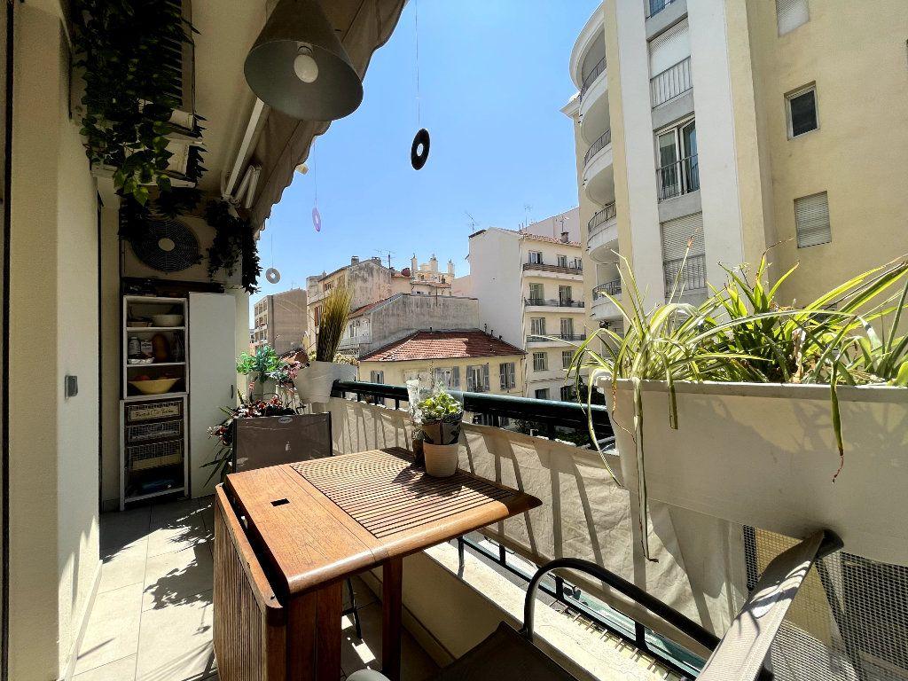 Appartement à vendre 4 134m2 à Nice vignette-10