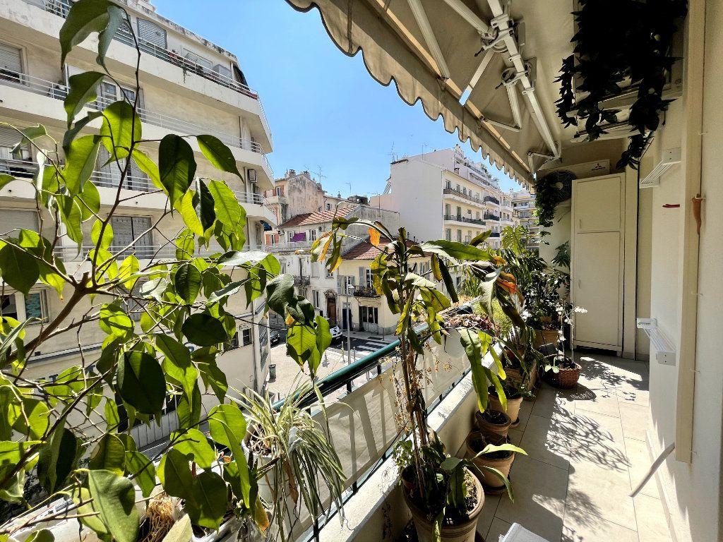 Appartement à vendre 4 134m2 à Nice vignette-11