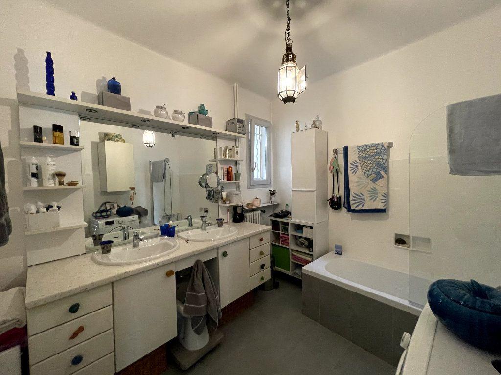 Appartement à vendre 4 134m2 à Nice vignette-12