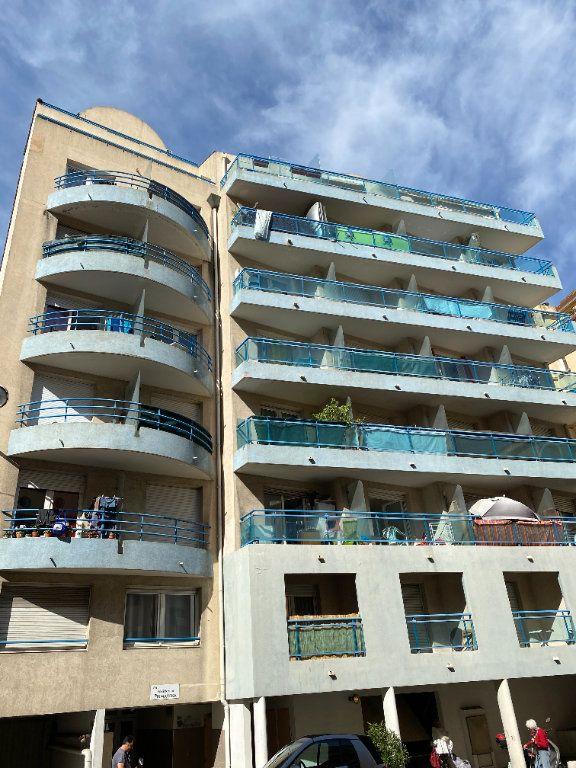 Appartement à vendre 1 20m2 à Nice vignette-2