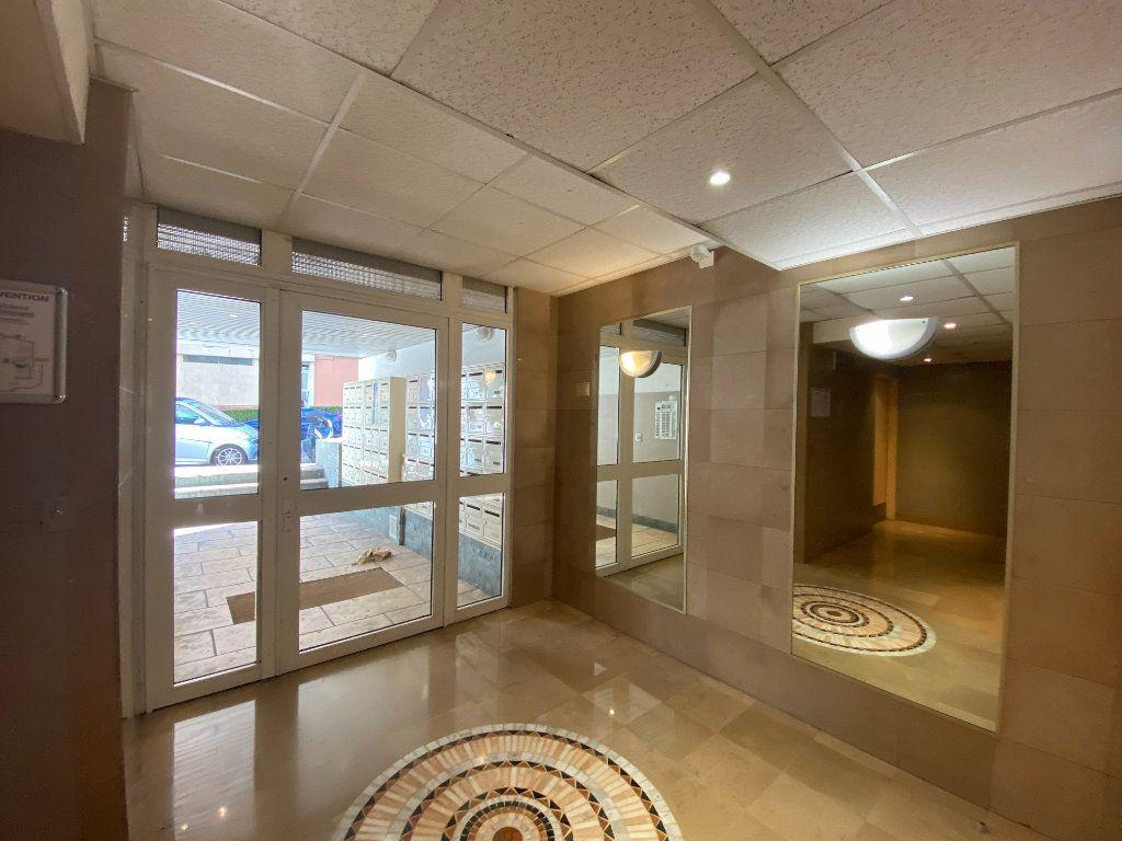 Appartement à vendre 1 20m2 à Nice vignette-10