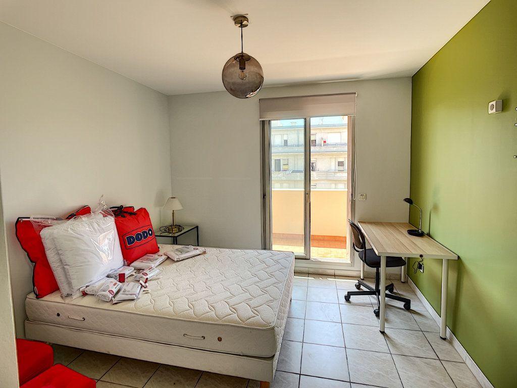 Appartement à louer 2 50.38m2 à Nice vignette-3