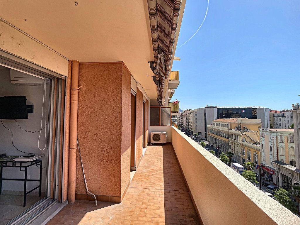Appartement à louer 2 50.38m2 à Nice vignette-4