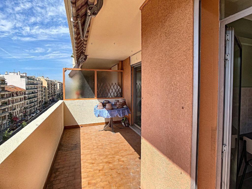 Appartement à louer 2 50.38m2 à Nice vignette-6