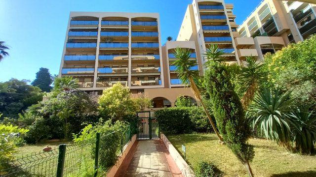 Appartement à vendre 2 57.8m2 à Nice vignette-1