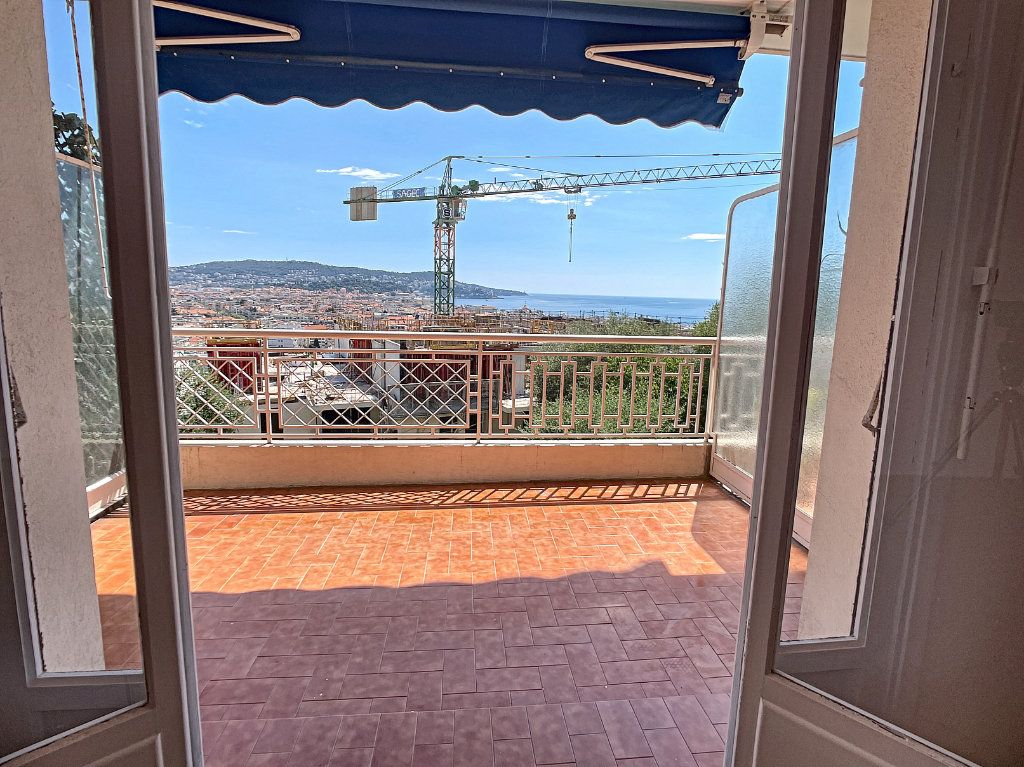 Appartement à louer 1 35.4m2 à Nice vignette-1