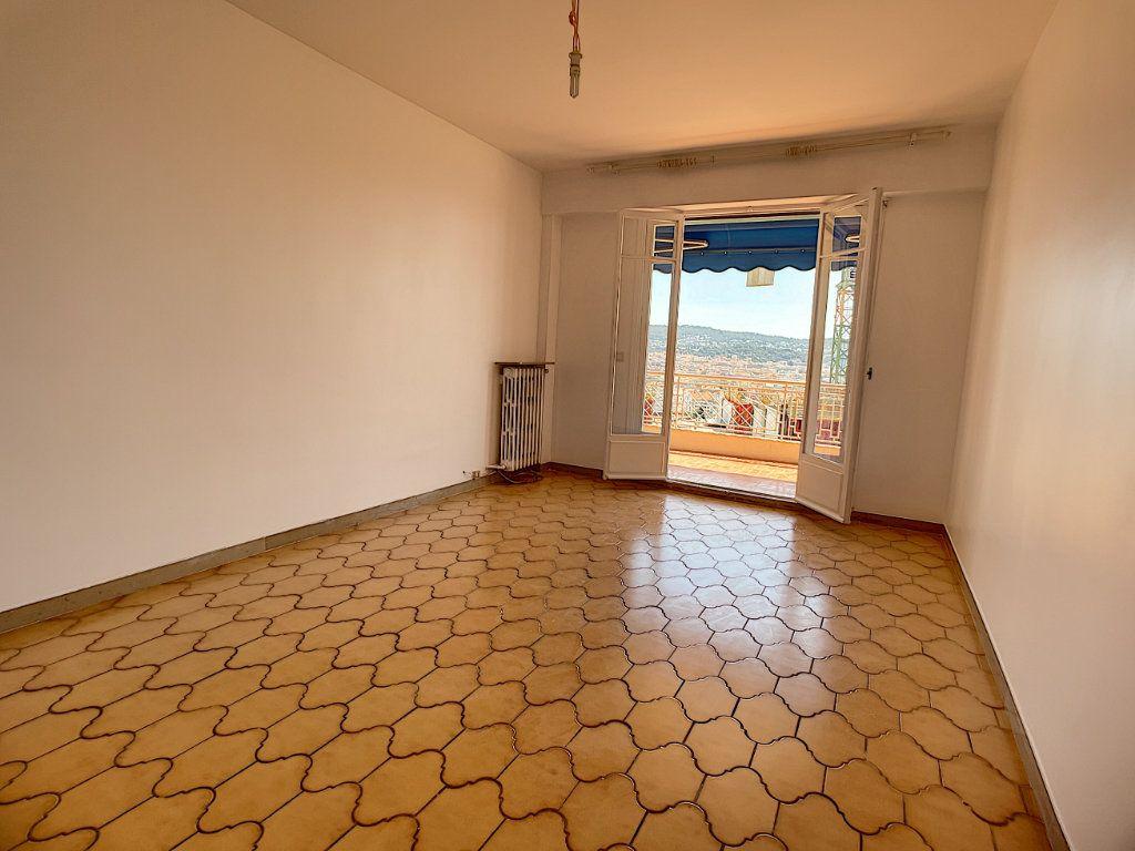 Appartement à louer 1 35.4m2 à Nice vignette-2
