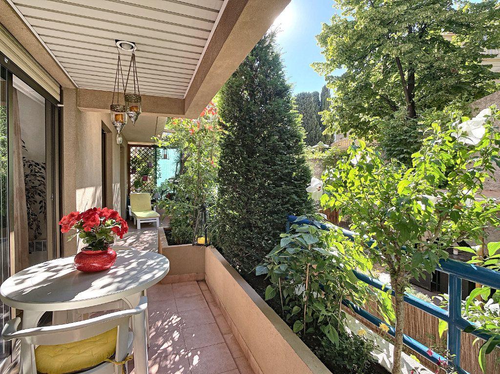 Appartement à vendre 2 57.8m2 à Nice vignette-2