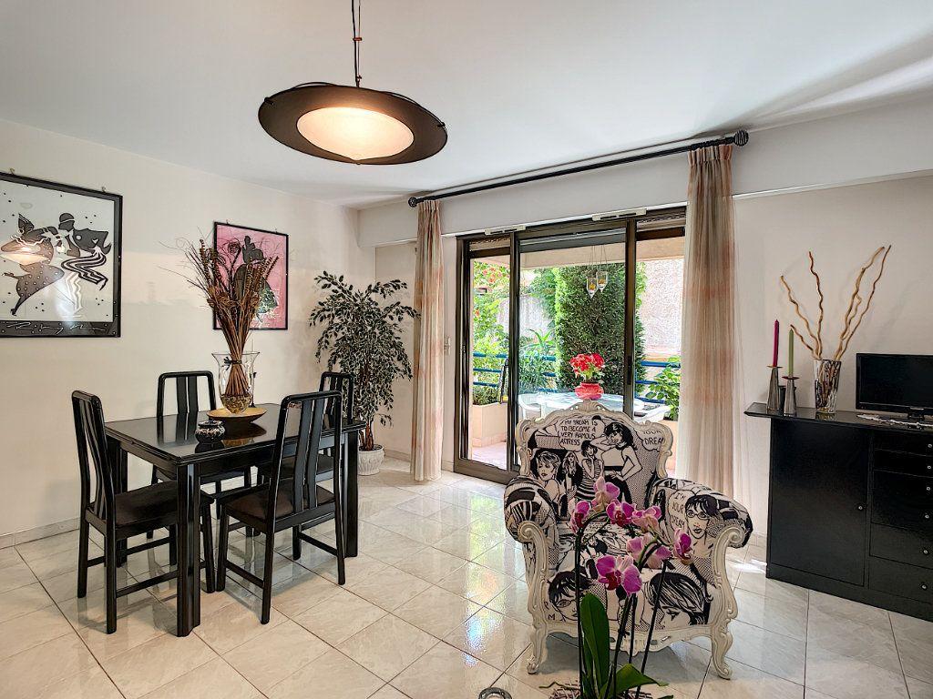 Appartement à vendre 2 57.8m2 à Nice vignette-4