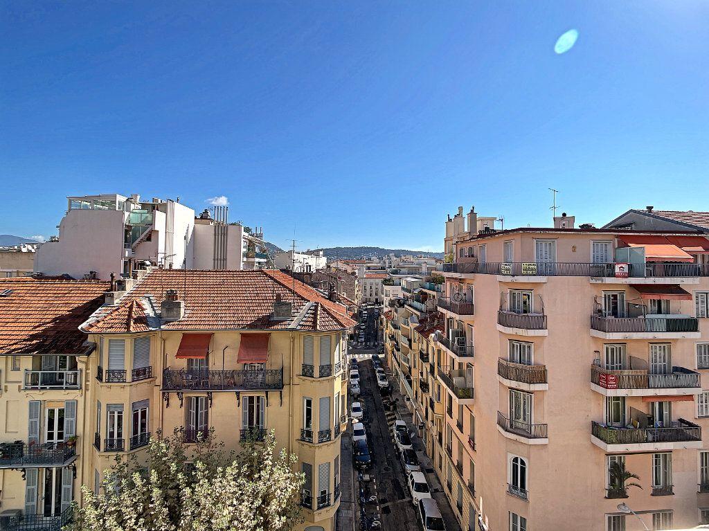 Appartement à vendre 4 104.17m2 à Nice vignette-9