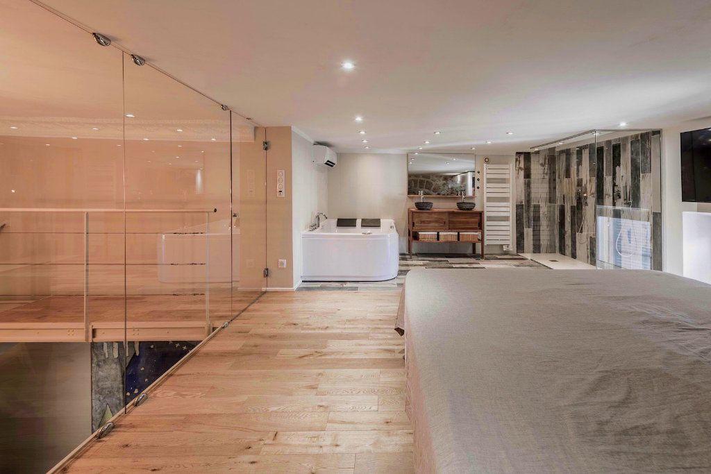 Appartement à louer 3 115.82m2 à Nice vignette-7