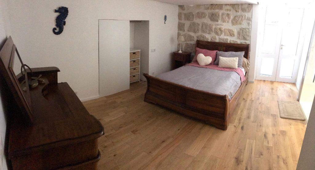Appartement à louer 3 115.82m2 à Nice vignette-8