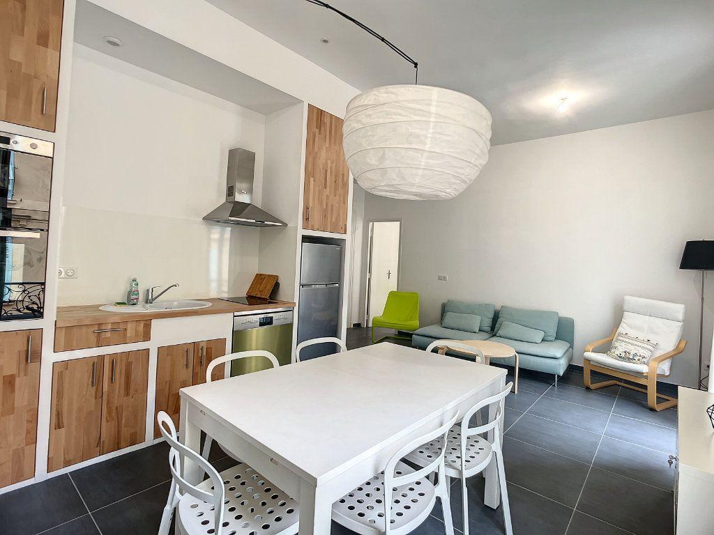 Appartement à louer 2 45.77m2 à Nice vignette-1