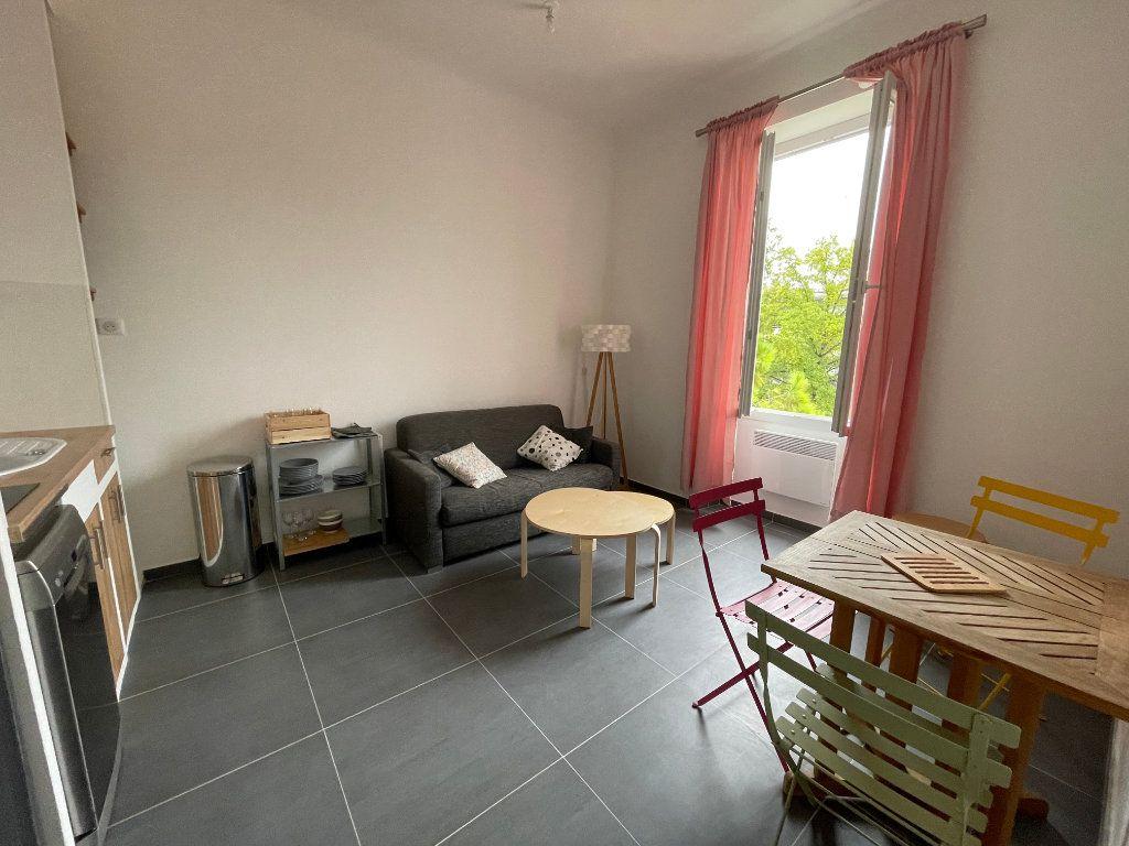 Appartement à louer 2 29.01m2 à Nice vignette-1