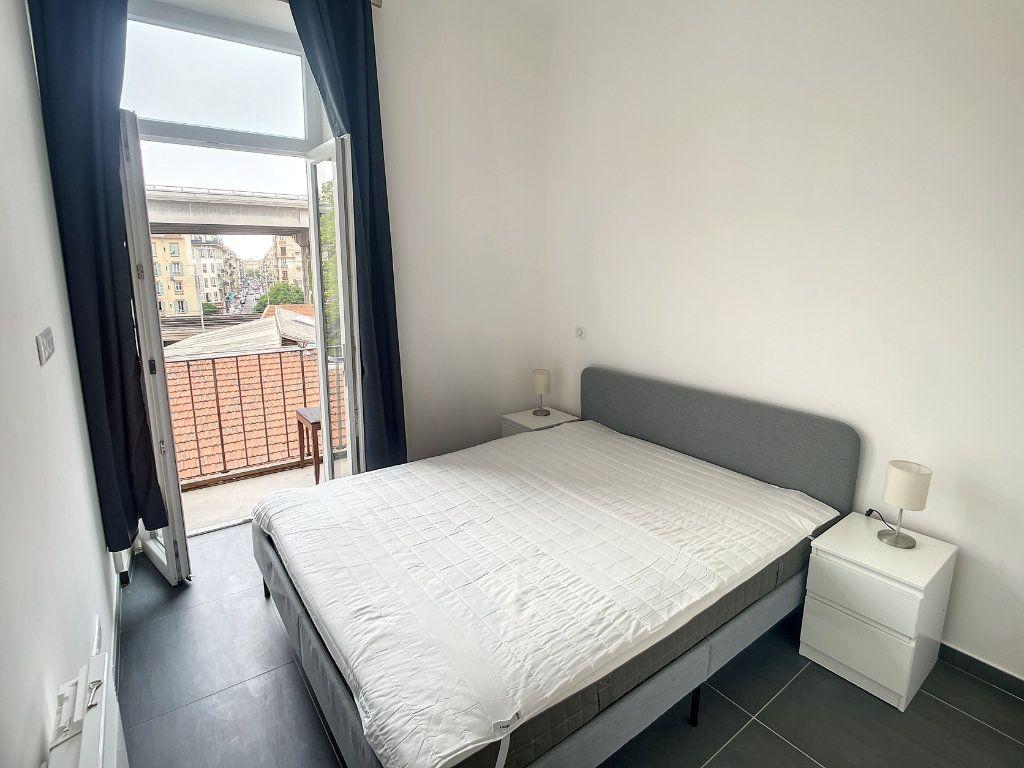 Appartement à louer 2 29.01m2 à Nice vignette-2