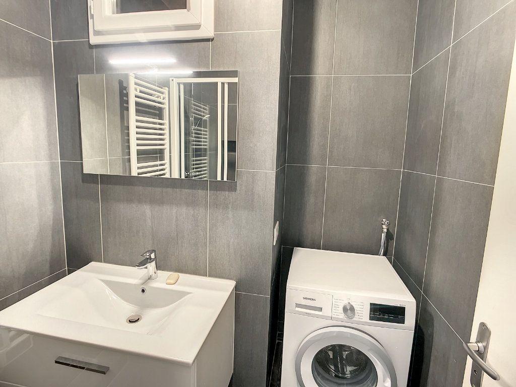 Appartement à louer 2 29.01m2 à Nice vignette-6