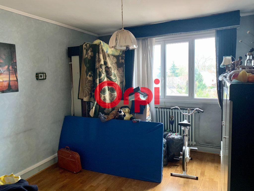 Appartement à vendre 4 96m2 à Livry-Gargan vignette-4
