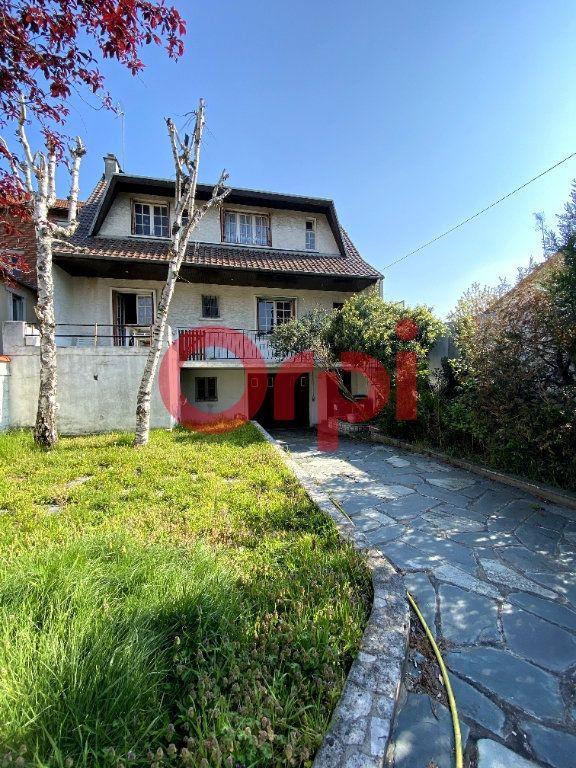 Maison à vendre 10 204m2 à Livry-Gargan vignette-1