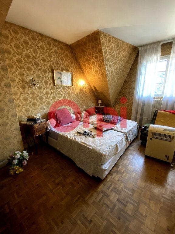 Maison à vendre 10 204m2 à Livry-Gargan vignette-5