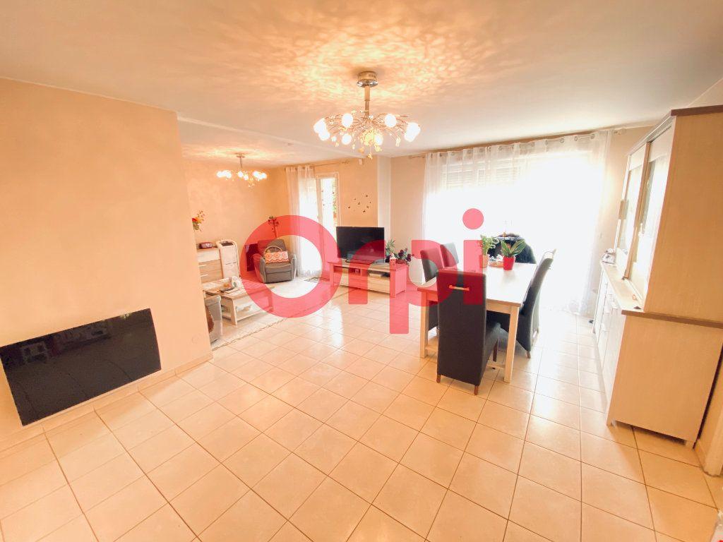 Appartement à vendre 5 98.09m2 à Livry-Gargan vignette-3