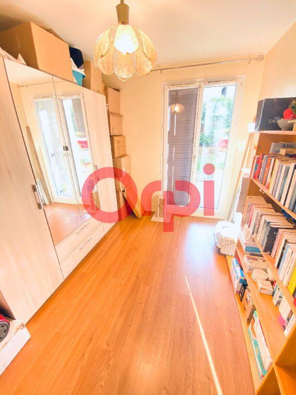 Appartement à vendre 5 98.09m2 à Livry-Gargan vignette-5