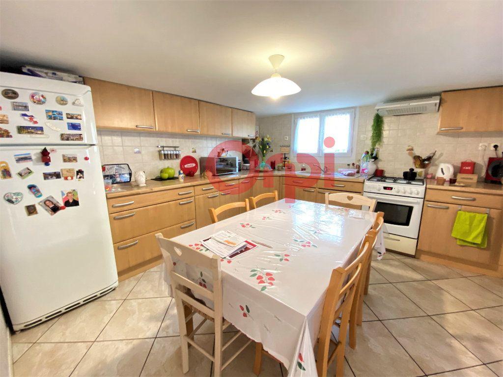 Maison à vendre 4 144.39m2 à Livry-Gargan vignette-6
