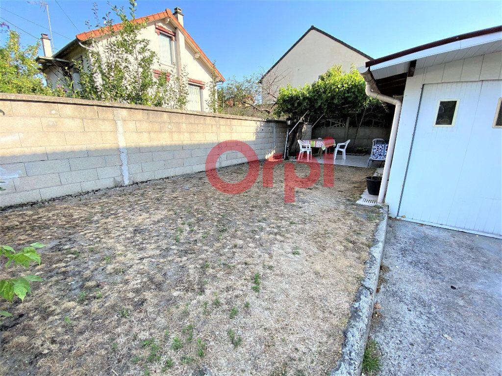 Maison à vendre 4 144.39m2 à Livry-Gargan vignette-8