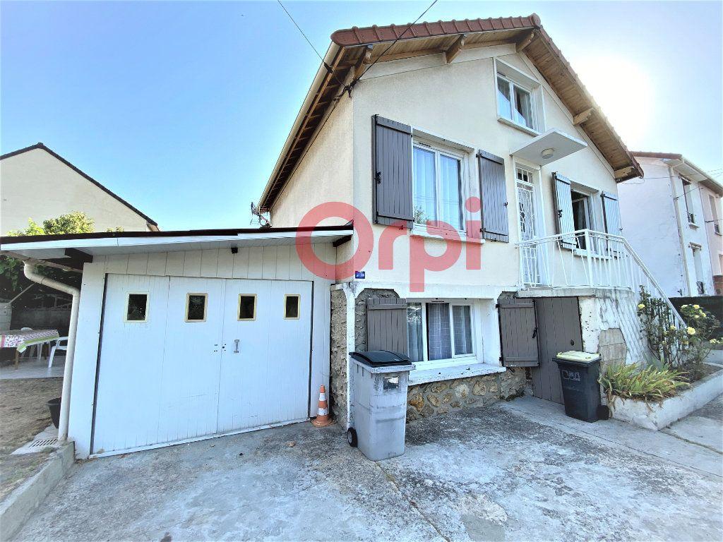 Maison à vendre 4 144.39m2 à Livry-Gargan vignette-10
