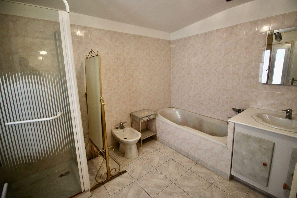 Appartement à vendre 3 78m2 à Sète vignette-4