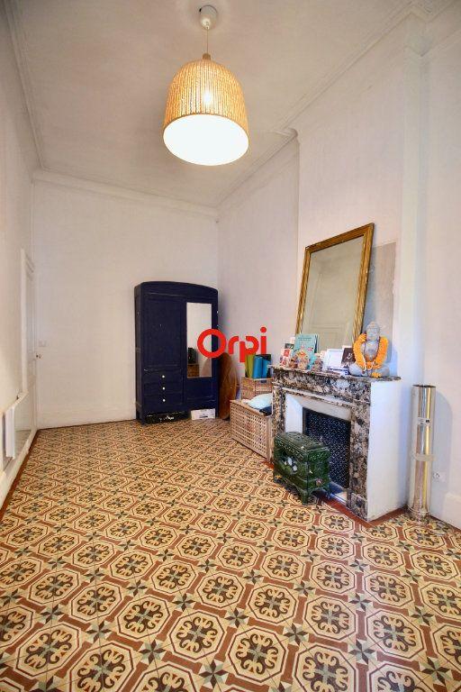 Appartement à vendre 4 90m2 à Sète vignette-6
