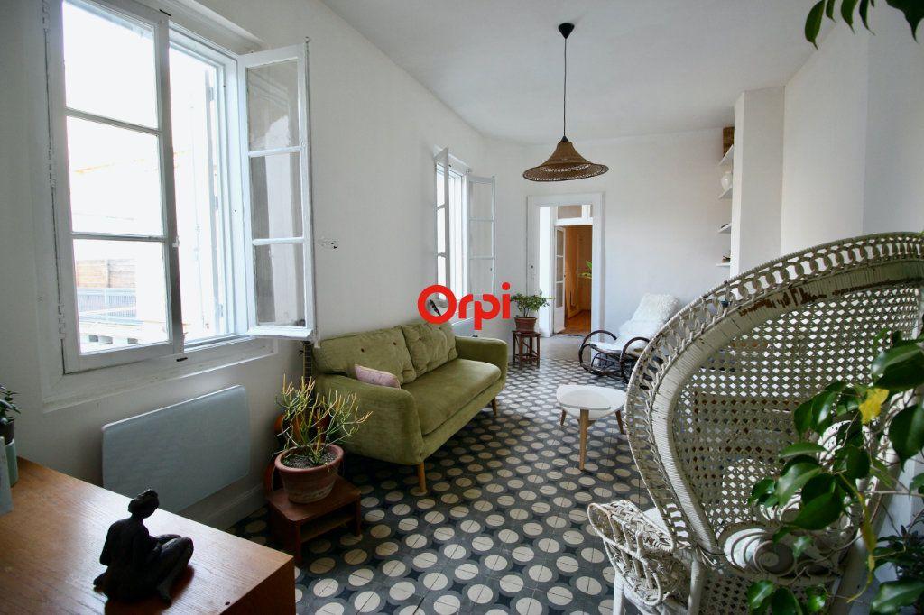 Appartement à vendre 4 90m2 à Sète vignette-11