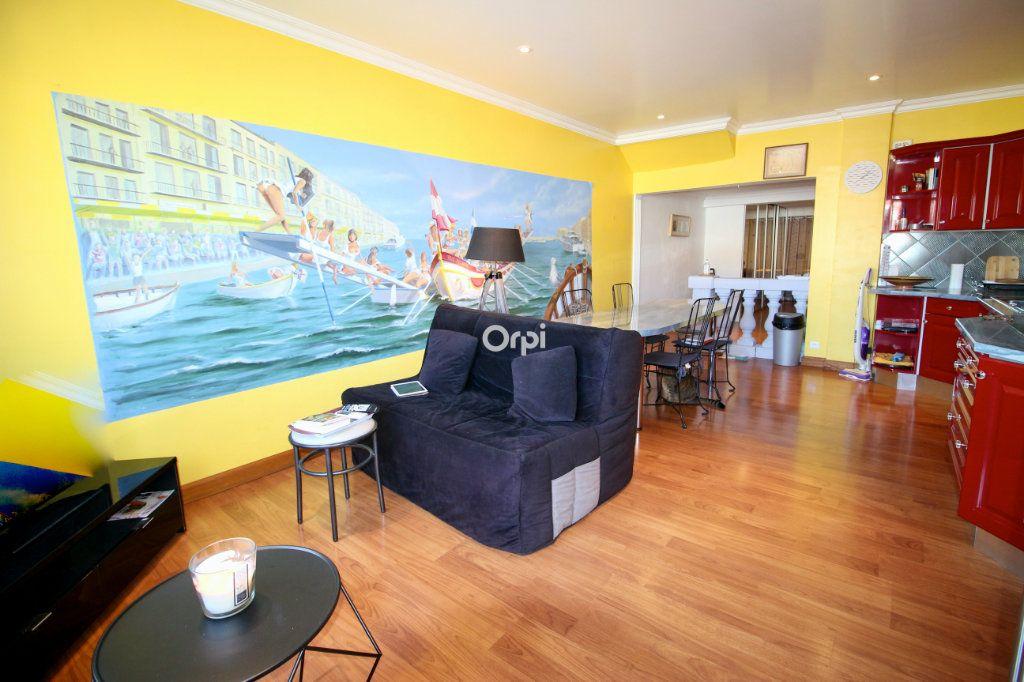Appartement à vendre 2 50m2 à Sète vignette-2