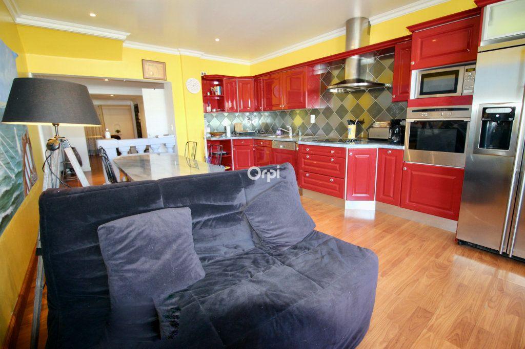 Appartement à vendre 2 50m2 à Sète vignette-4
