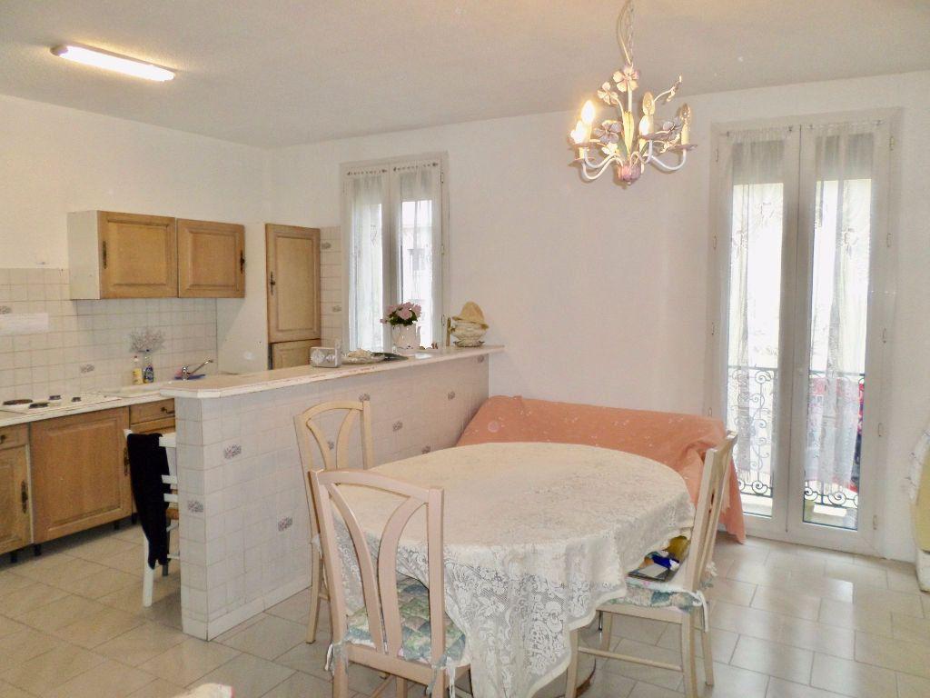 Appartement à vendre 4 64m2 à Sète vignette-2