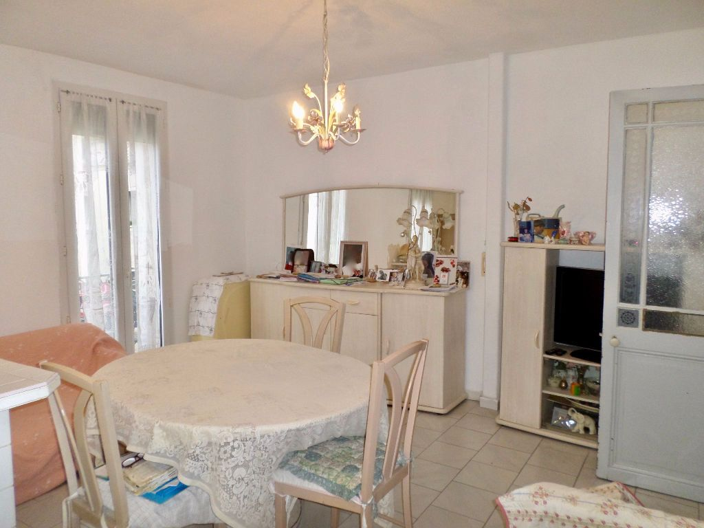 Appartement à vendre 4 64m2 à Sète vignette-6
